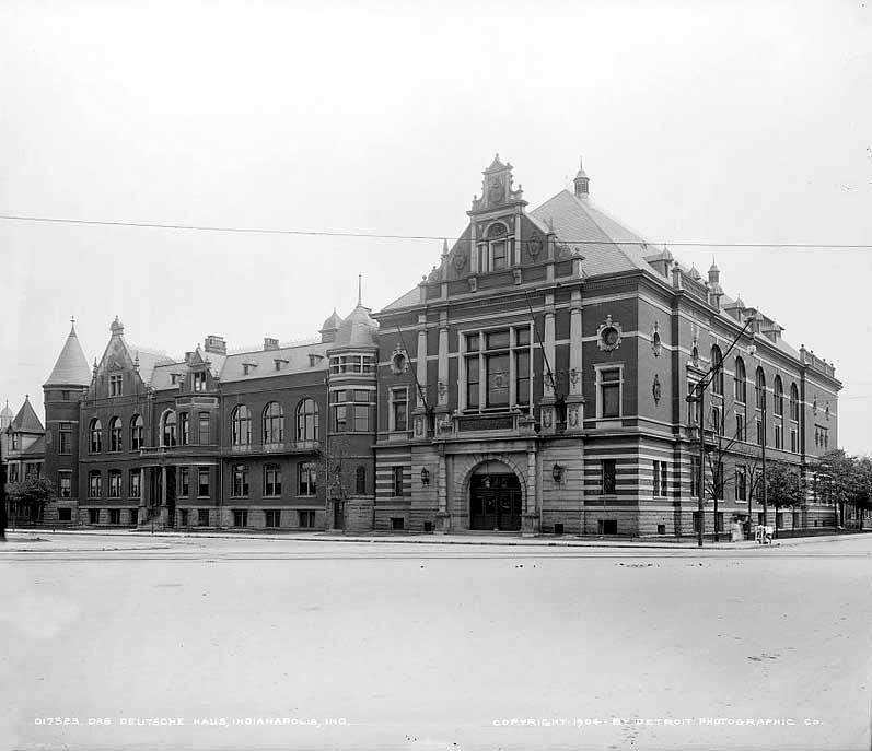 Then & Now: Das Deutsche Haus / Athenaeum