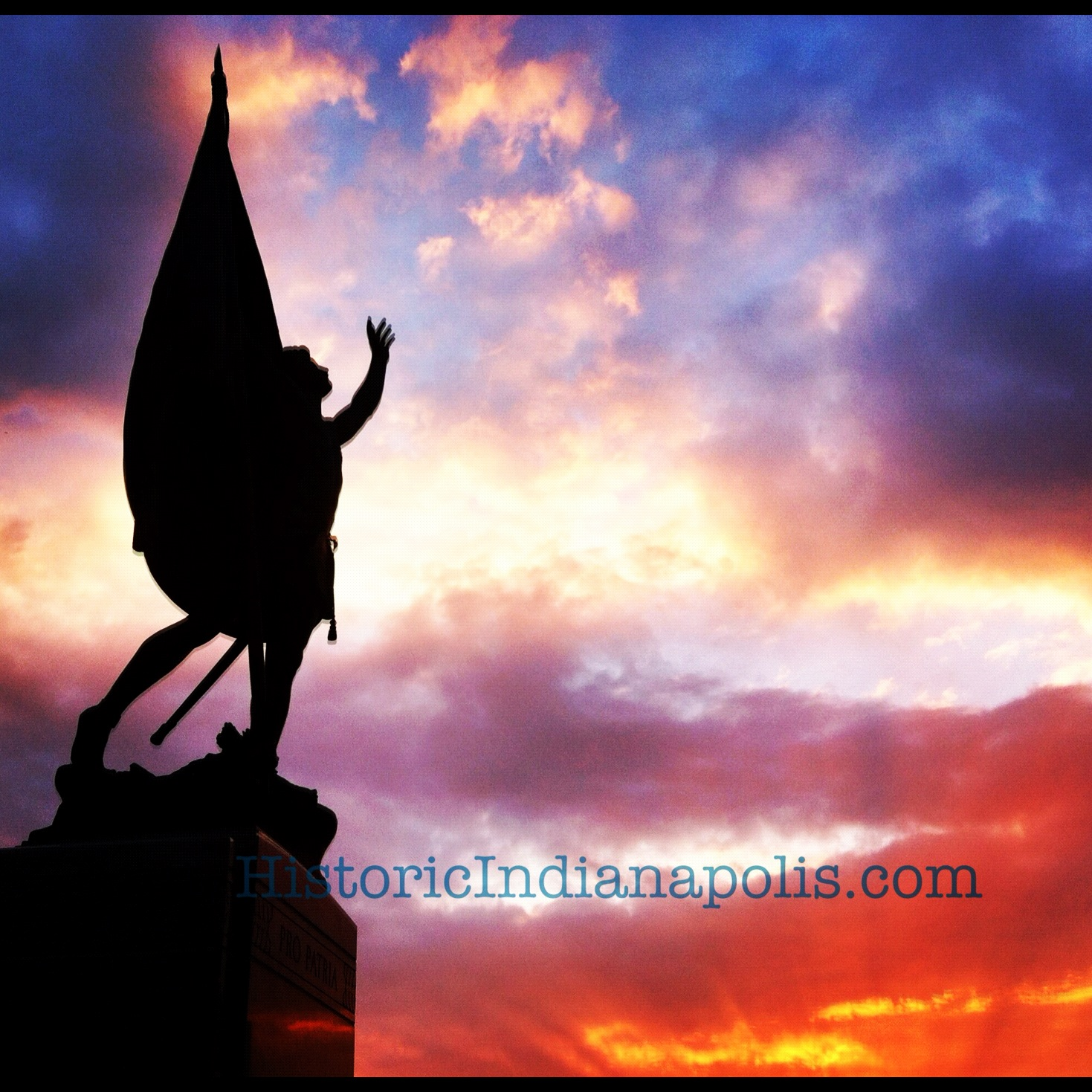 Friday Favorite: Sunrise by Statue