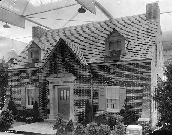 Indianapolis Then & Now: 1931 Indianapolis Home Show Model House / 3701 Forest Manor Avenue