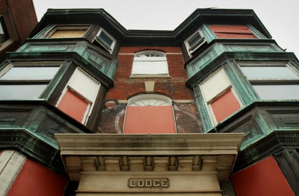 Lodge facade, (c) photo by Kurt Lee Nettleton, 2013