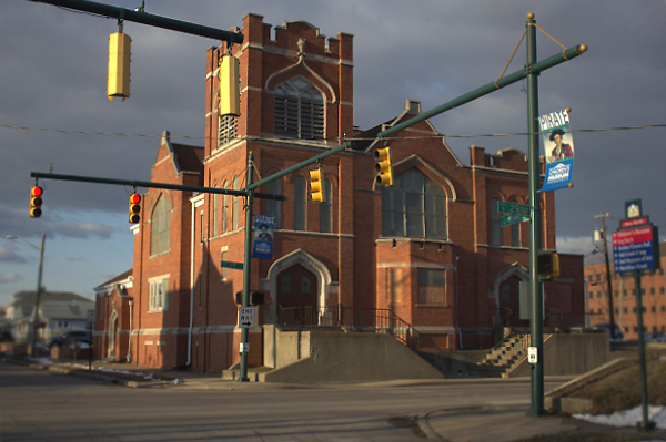 The church at the corner of 29th and Kenwood, as seen today. (photo by Dawn Olsen)