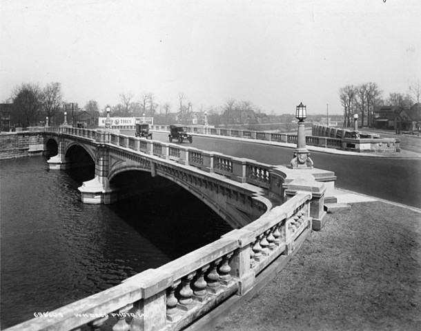 View of the Meridian Street bridge over Fall Creek (Bass Photo Company Collection, INDIANA HISTORICAL SOCIETY)