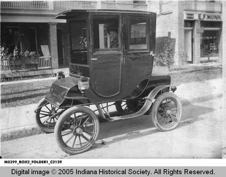Courtesy of the Indiana Historical Society, M399 Madam C. J. Walker Collection, ca. 1915