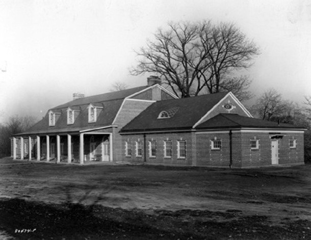 The Garfield Park Community House was designed by Rubush and Hunter Architects (Bretzman Photograph Studio Collection, INDIANA HISTORICAL SOCIETY)