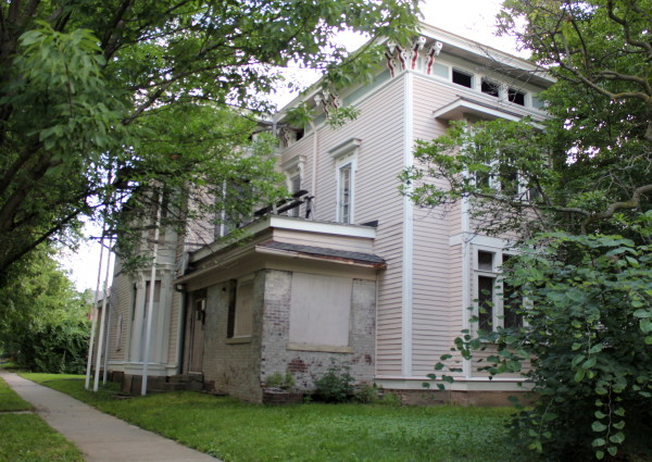 Sunday Prayers: the Shortridge-Voss house (1301 Broadway)