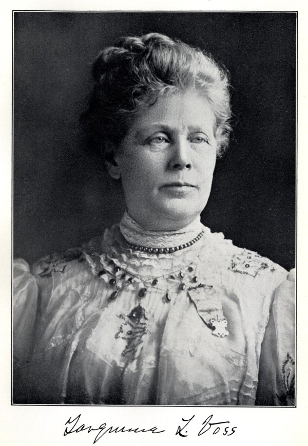 Tarquinia Voss moved into 1301 Broadway in 1896, and lived there until her death in 1930. Voss was an active member in the Daughters of the American Revolution, and also traveled to France as a representative of the state of Indiana.