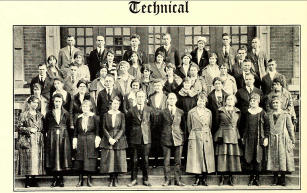 Mary's father, far left in the middle row, Arsenal Cannon, June 1922, pg. 42. (Courtesy of Archive.org).