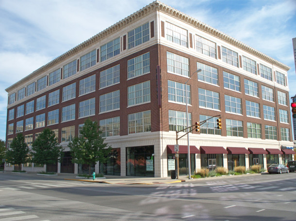 View of the Gibson Company Building at 433 N. Capitol Avenue facing southeast (photo by Sharon Butsch Freeland)