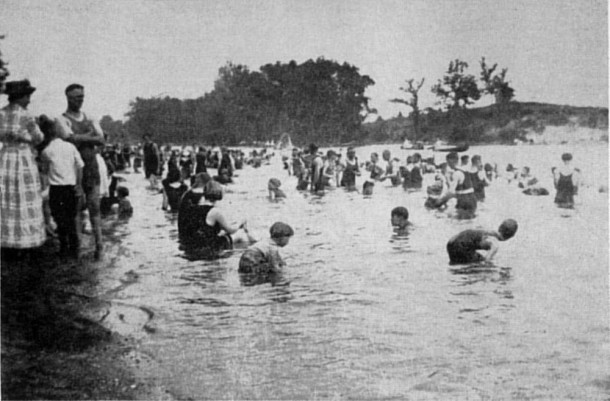 Ravenswood Beach was a popular warm weather destination for city dwellers (photo courtesy of BroadRippleHistory.com)