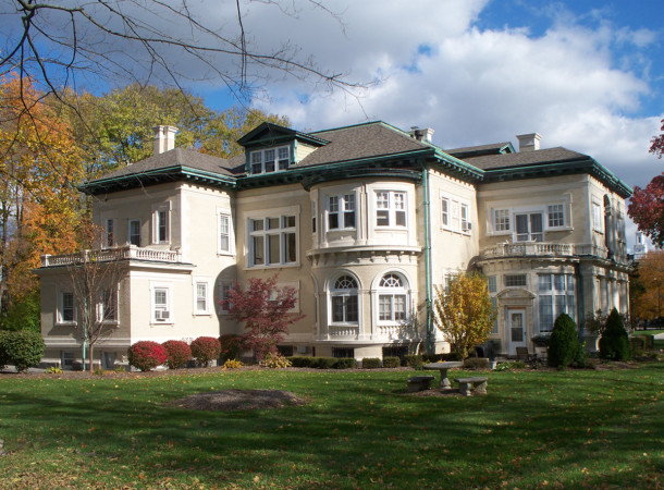 Rear of Henry F. Campbell Mansion at 2550 Cold Spring Road (photo by Sharon Butsch Freeland)