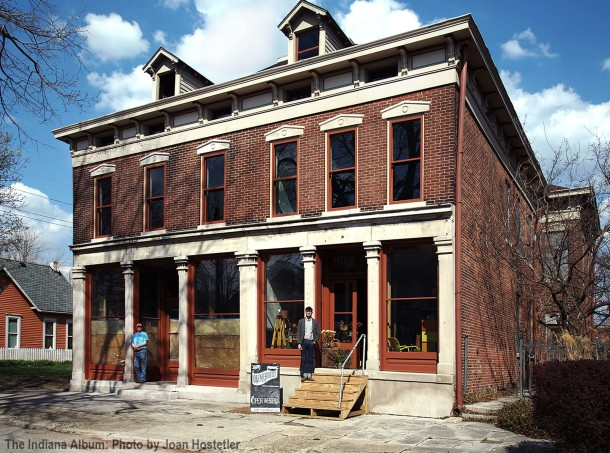 Ruskaup Building and with occupants: Gordo's Fine Woodworking (left) and Kris Bowman of the Inventorialist (right). (The Indiana Album: Photo by Joan Hostetler, 18 April 2014)