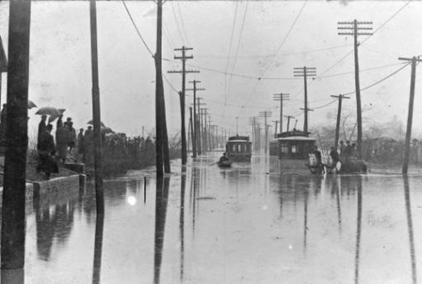 In March of 1913, the most disastrous flood in Indianapolis history hit the west side hard (Bass Photo Company College image courtesy of the Indiana Historical Society)