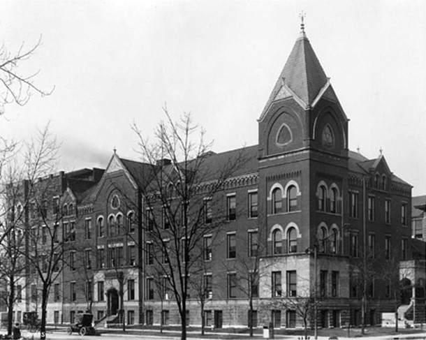 1907 photo of the Protestant Deaconess Hospital, located on the northwest corner of West Ohio Street and N. Senate Avenue (W. H. Bass Photo Company Collection, courtesy of the Indiana Historical Society)