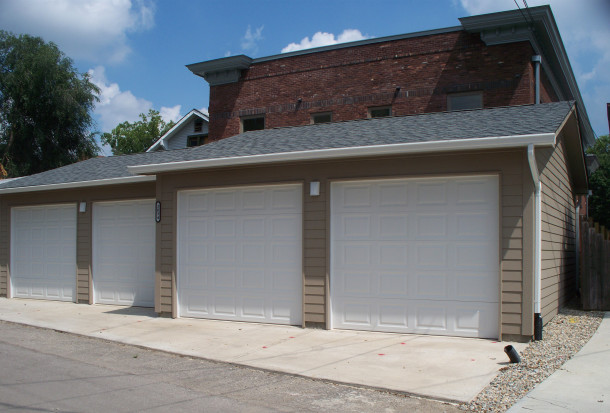 New garages were built behind the Esplanade Annex and are accessible through an alley on the west side of the property (photo by Sharon Butsch Freeland)