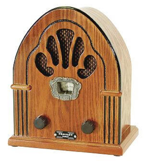 Popular 1921 Crosley radio that might have been used by students learning their Music Memory Contest pieces (photo courtesy of Bulverde Home Theater Co.)