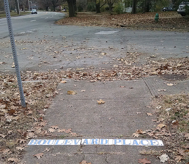 A street name marker still exists at 25th and Boulevard Place (photo by Sharon Butsch Freeland)