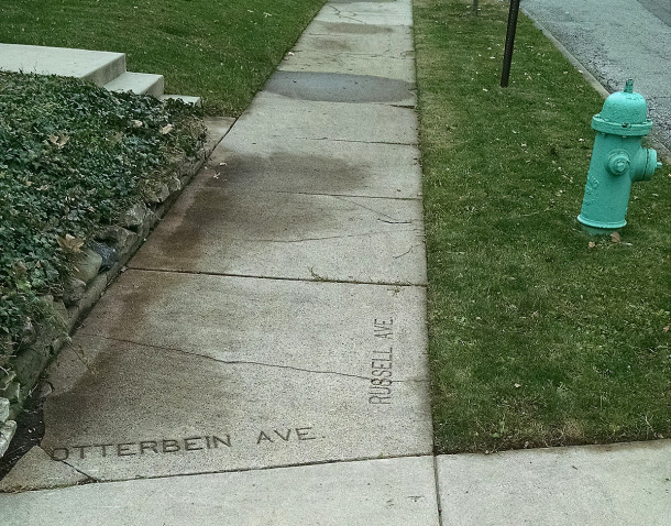 The street name markers at Otterbein Avenue and Windermire Street show that Windemire used to be called Russell Avenue (photo by Sharon Butsch Freeland)