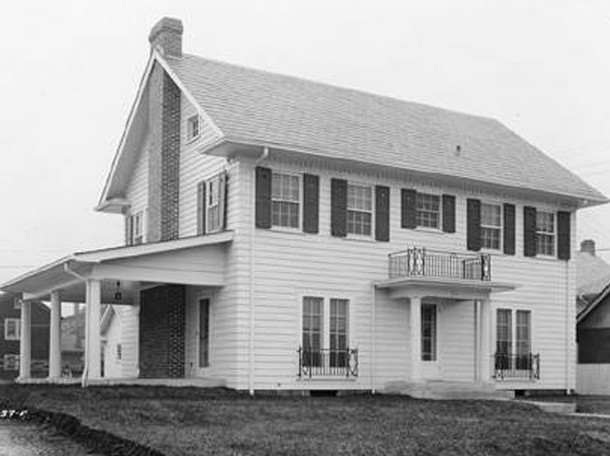 1923 photo of the Luther S. Shoup House at 115 Penway Street (W. H. Bass Photo Company Collection, courtesy of the Indiana Historical Society)