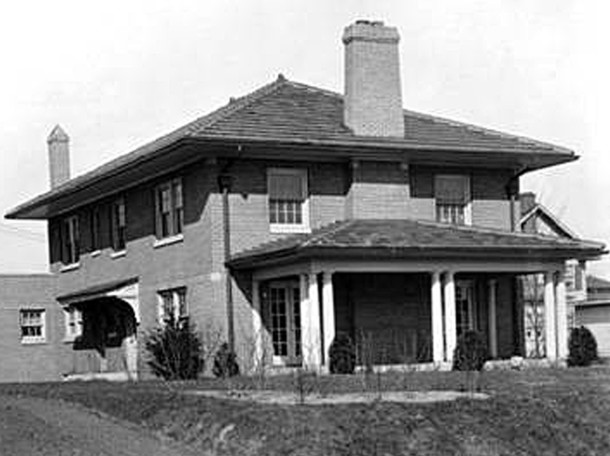 1925 photo of the Robert C. Baltzell House at 3660 Washington Boulevard (W. H. Bass Photo Company Collection courtesy of the Indiana Historical Society)