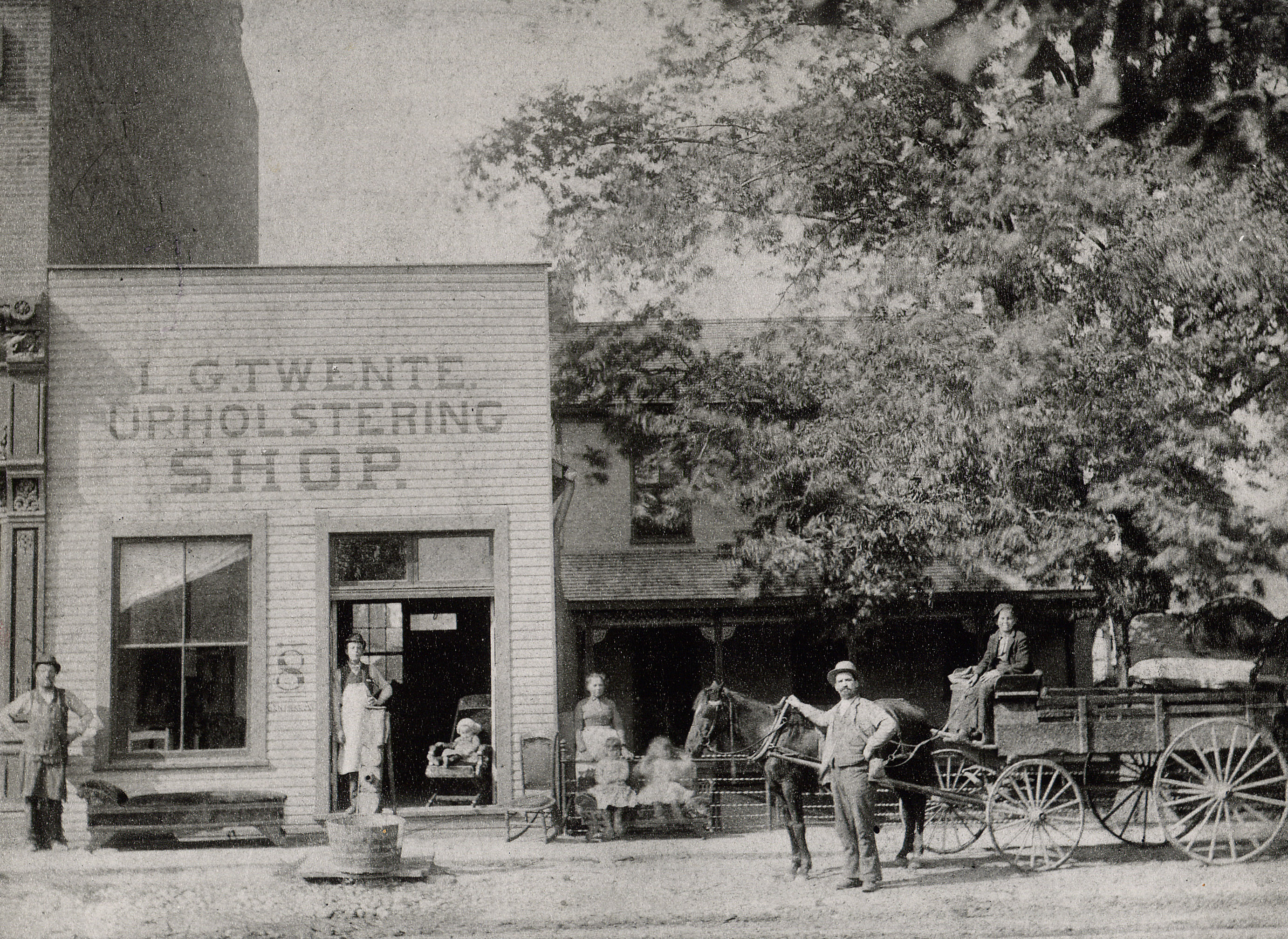 Then & Now: Twente Upholstery Company, 1010 Central Avenue