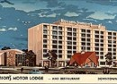 A postcard showing the grandeur of the downtown Howard Johnson's (Courtesy Amazon)