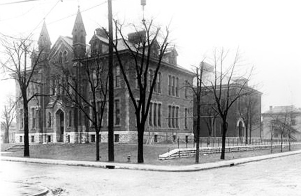 Clemens Vonnegut School 9 (W. H. Bass Photo Company Collection, courtesy of the Indiana Historical Society)