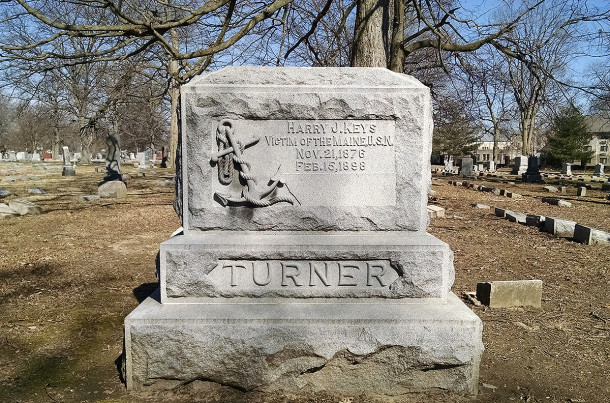 The final resting place of Harry j. Keys was the Turner family plot at Crown Hill Cemetery (2016 photo by Sharo Butsch Ffreeland)