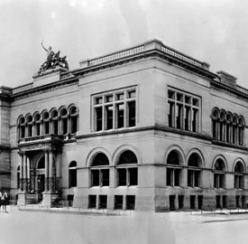 The Indianapolis Public Library was located on the southwest corner of Ohio and Meridian Streets from 1885 to 1917  (Wm. H. Bass PHoto Company Collection, courtesy of the Indiana Historical Society)