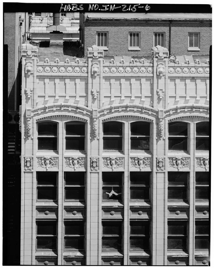 Detail of the upper stories on the Illinois Street side