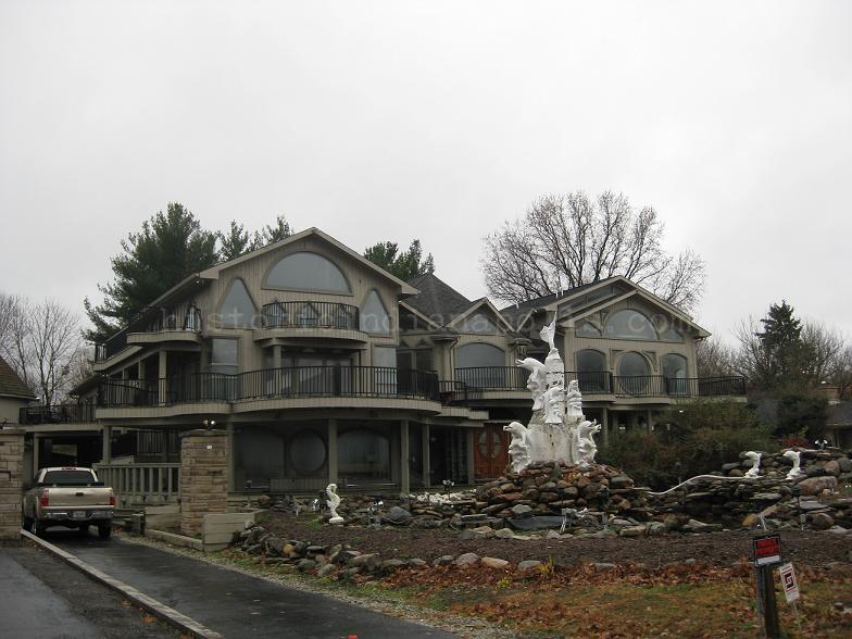 WTH Weds- Crazy cracky house on Kessler