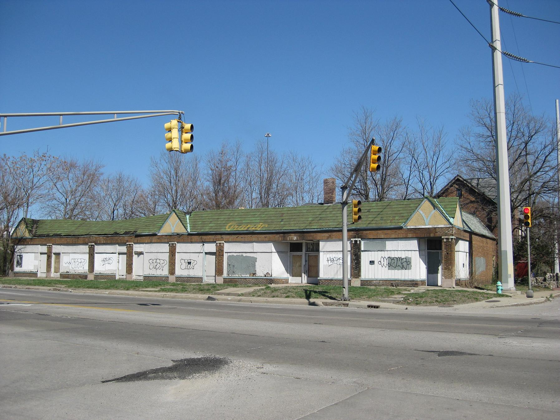 Sunday Prayers: Commercial Opp on College South of 65