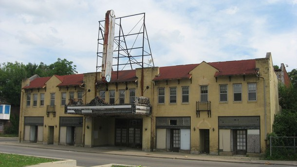 Rivoli Theater, ca. 2010 (Courtesy of Wikipedia)