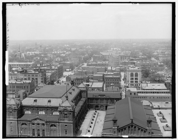 1907 view looking north from the Marion County Courthouse (Library of Congress, Detroit Publishing Company)