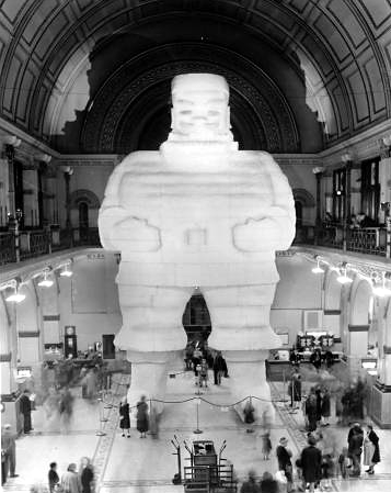 Indianapolis Then and Now: Union Station's Santa Colossal