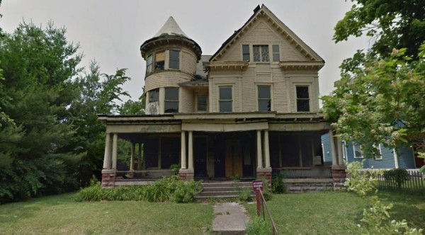 2110 College Ave, as seen in June 2011. ( © Google Maps 2011)