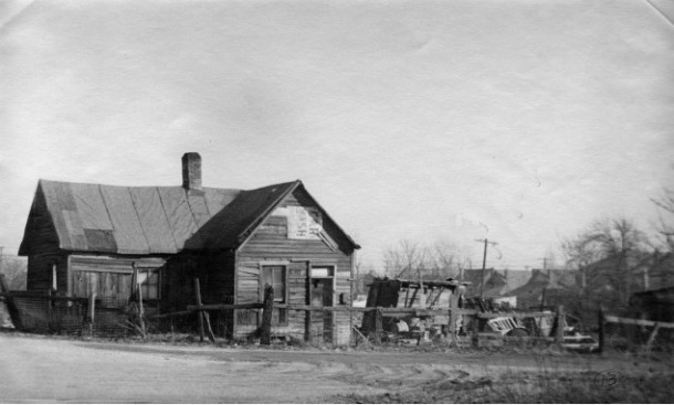 Indianapolis Flanner House neighborhood slums, c. 1950. (Indiana Historical Society).