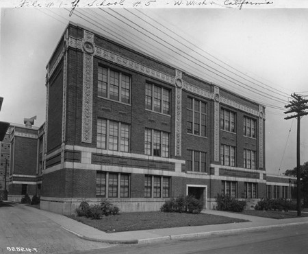Public School no. 5, Oscar McCullough, 1925. (Bass Photo Co Collection, Indiana Historical Society).