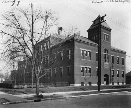 School 39 William McKinley, 1923. Bass Photo Co Collection, Indiana Historical Society.