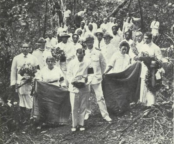 Burial of Fanny Vandegrift Osbourne Stevenson at Vailima next to her husband (photo from )