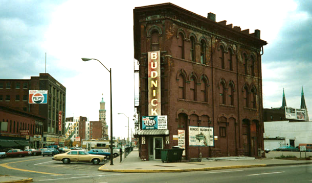 The Hammond Block in 1977. Courtesy of Indiana Landmarks / IUPUI University Library