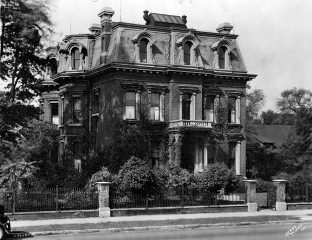 The former residence of the H. P. Wasson family at 1116 N. Delaware was part of the Arthur Jordan Conservatory of Music (Bass Photo Company Collection, courtesy of the Indiana Historical Society)