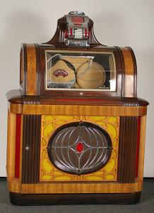 1946 Packard Pla-Mor Manhattan Jukebox (photo courtesy of antiquehelper.com)