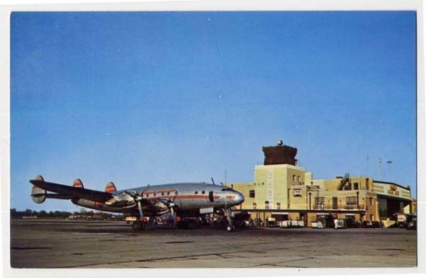 This postcard gives a good idea of the scale of Weir Cook Airport in the 40s and 50s (Courtesy eBay)