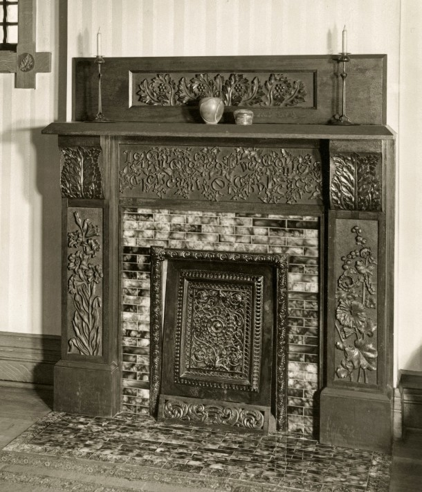 Parlor mantle