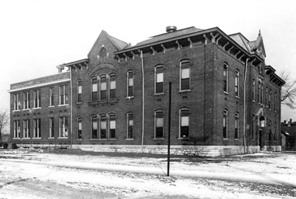 Booker T. Washington School 17 was on the northwest corner of 11th and West Streets. It no longer exists today. (W. H. Bass Photo Company Collection, courtesy of the Indiana Historical Society)