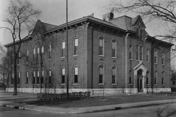 Horace Mann School 13 (W. H. Bass Photo Company Collection, courtesy of the Indiana Historical Society)