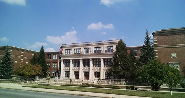 The current Shortridge High School building has stood on the northeast corner of E. 34th and N. Meridian Streets since 1928 (2015 photo by Sharon Butsch Freeland)