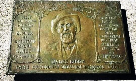 Biddy plaque