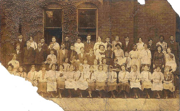 Class picture taken outside the Calvin Fletcher School 8 (image courtesy of Georgia Cravey)